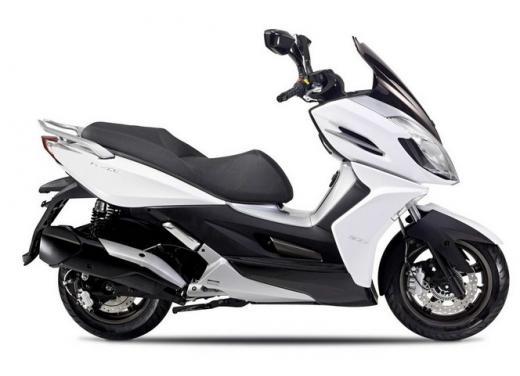 Kymco, zero interessi sugli scooter K-XCT 300i e K-XCT 125i