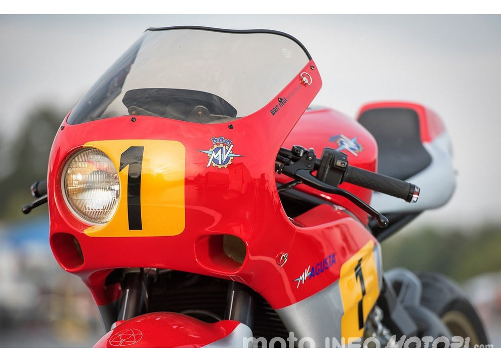 La MV Agusta Bol D'Or con base Brutale 800