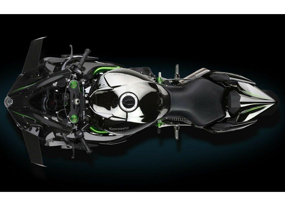 Le Kawasaki Ninja H2R e Ninja H2 arrivano in listino - Foto 4 di 10