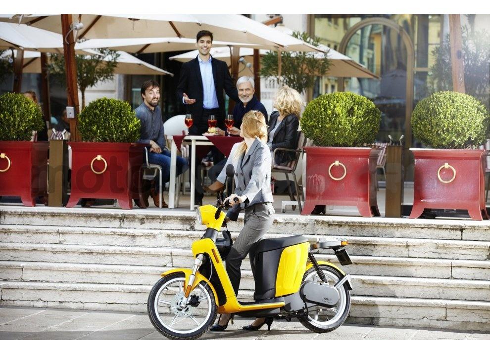 Lo scooter elettrico tutto italiano nasce a Vicenza grazie ad Askoll - Foto 1 di 48