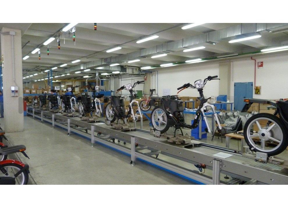 Lo scooter elettrico tutto italiano nasce a Vicenza grazie ad Askoll - Foto 27 di 48