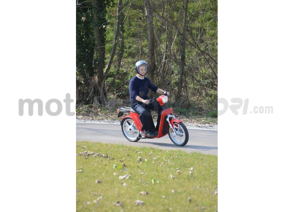 Lo scooter elettrico tutto italiano nasce a Vicenza grazie ad Askoll - Foto 17 di 48