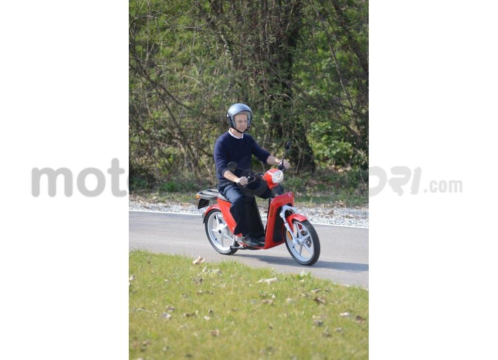Lo scooter elettrico tutto italiano nasce a Vicenza grazie ad Askoll - Foto 13 di 48