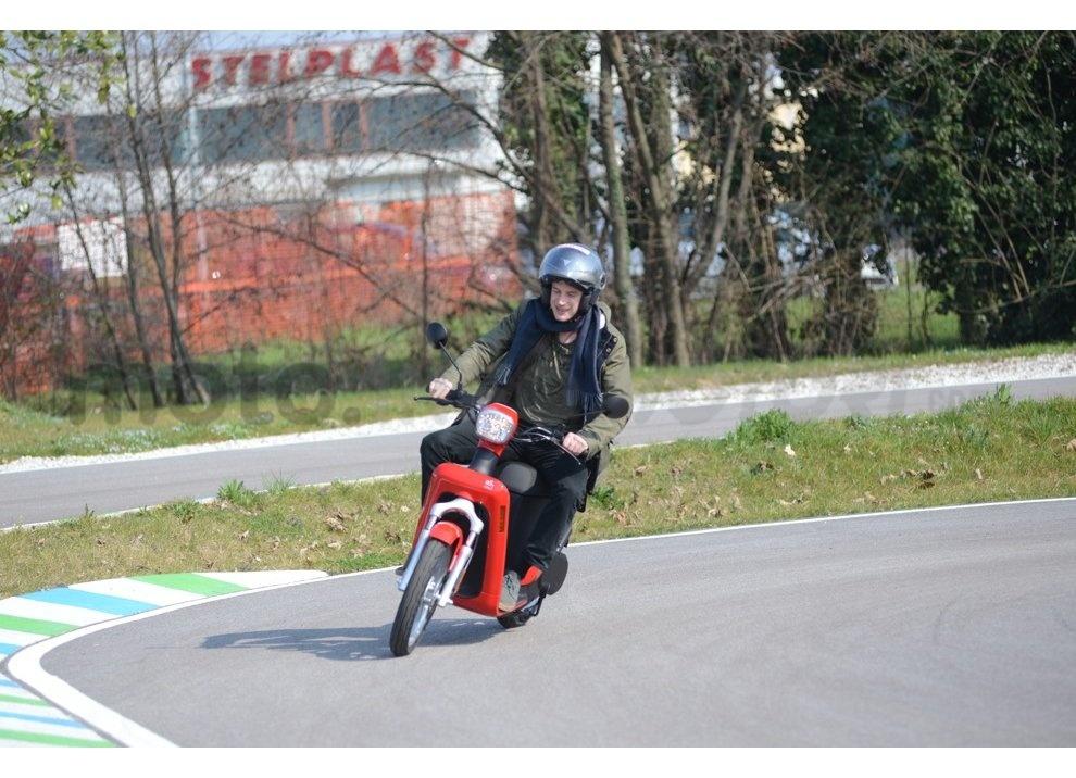 Lo scooter elettrico tutto italiano nasce a Vicenza grazie ad Askoll - Foto 6 di 48