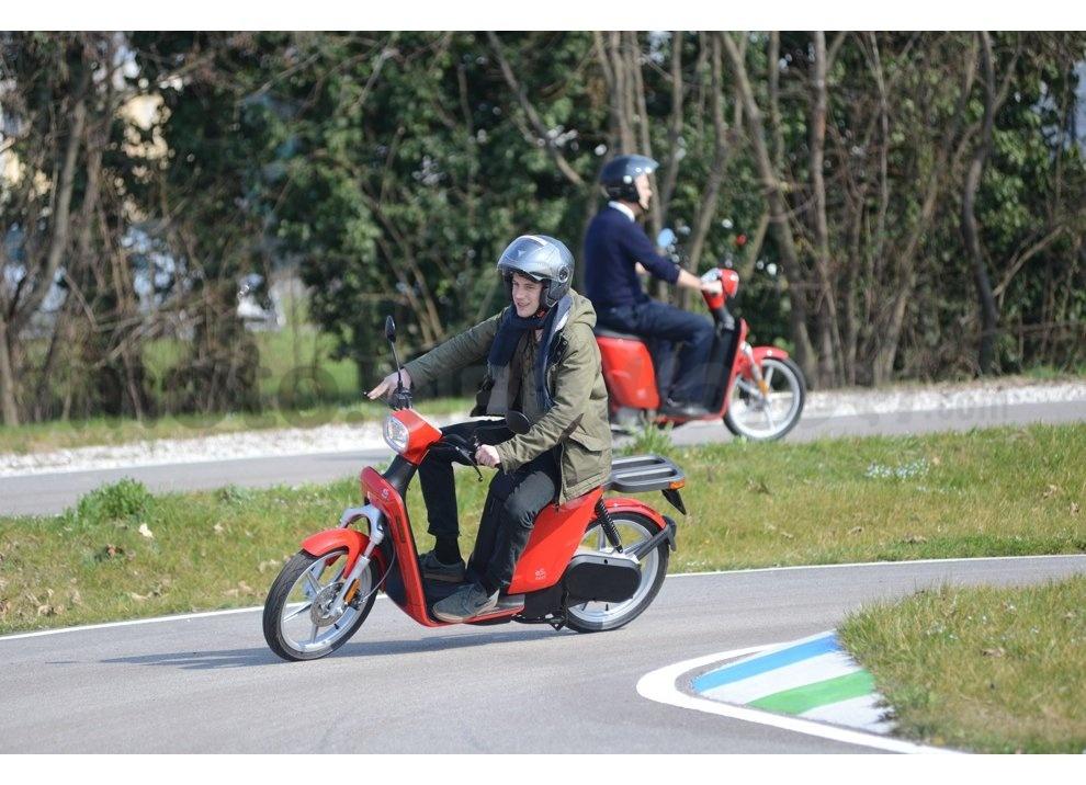 Lo scooter elettrico tutto italiano nasce a Vicenza grazie ad Askoll - Foto 31 di 48