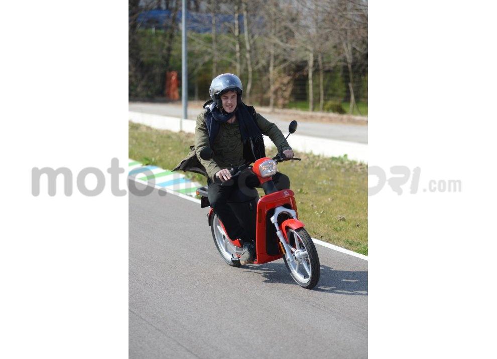 Lo scooter elettrico tutto italiano nasce a Vicenza grazie ad Askoll - Foto 11 di 48