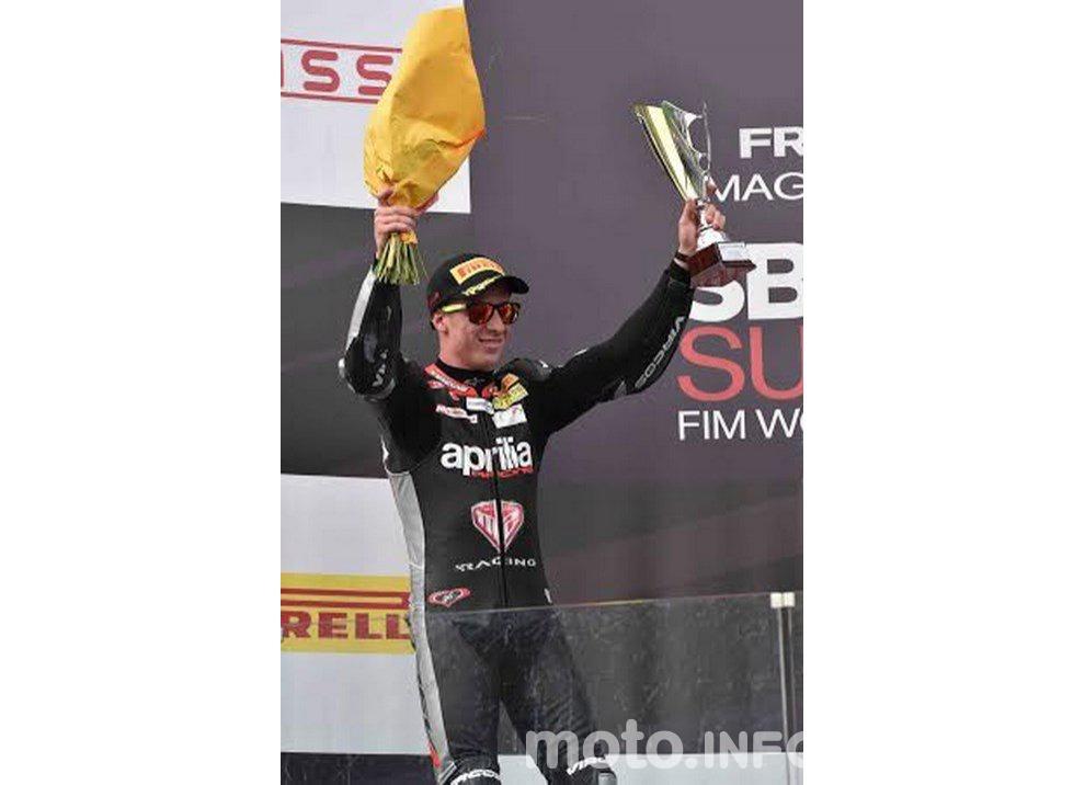 Lorenzo Savadori ed Aprilia campioni del mondo Superstock 1000 - Foto 4 di 5