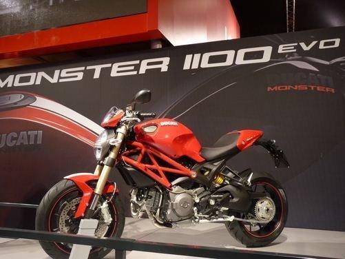 Ducati by Diesel presentata a New York da Renzo Rosso e Nicky Hayden - Foto 1 di 2
