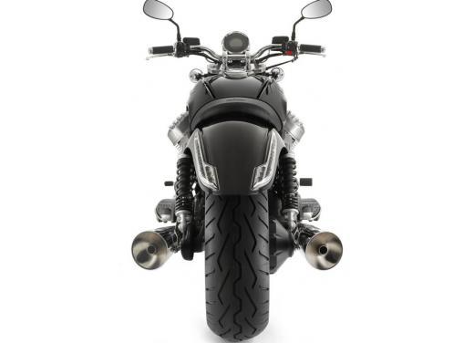 Moto Guzzi California 1400 Custom: Best of the Best Cruiser Motorcycle - Foto 2 di 7
