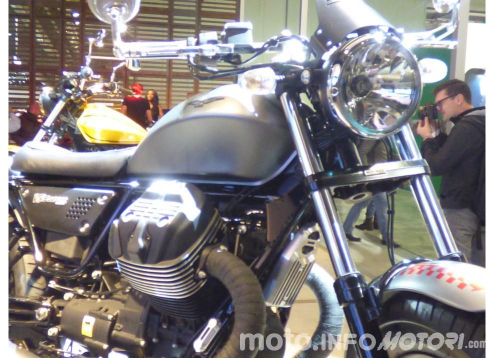 Moto Guzzi V9 Bobber e V9 Roamer 2016 - Foto 5 di 50