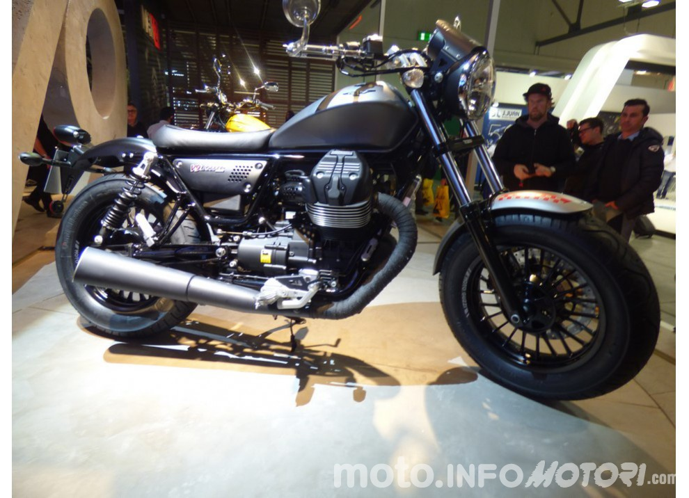 Moto Guzzi V9 Bobber e V9 Roamer 2016 - Foto 10 di 50