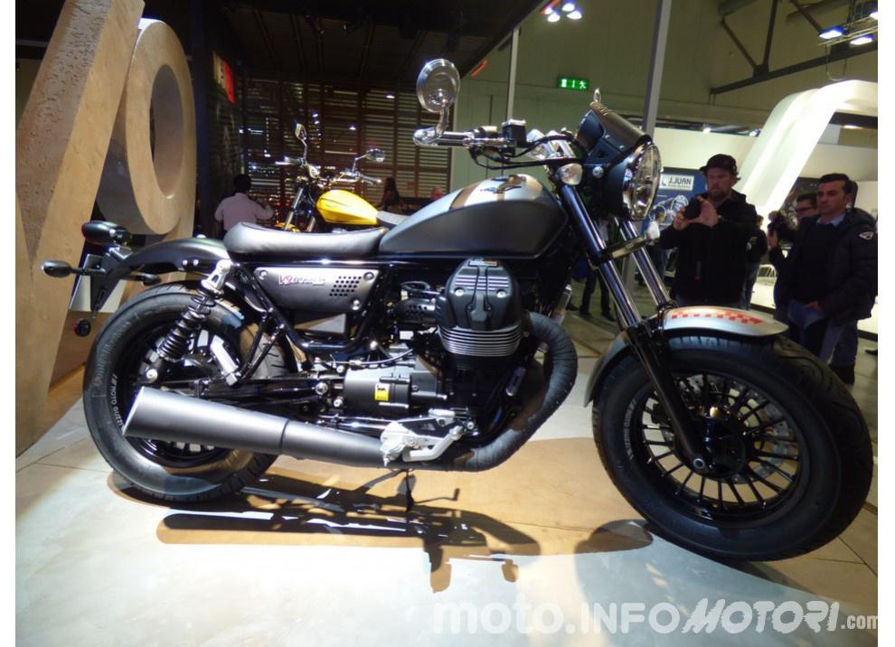 Moto Guzzi V9 Bobber e V9 Roamer 2016 - Foto 12 di 50