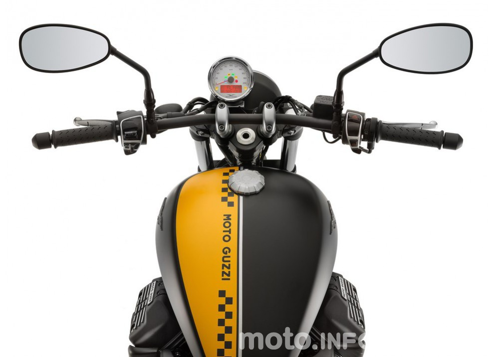 Moto Guzzi V9 Bobber e V9 Roamer 2016 - Foto 23 di 50