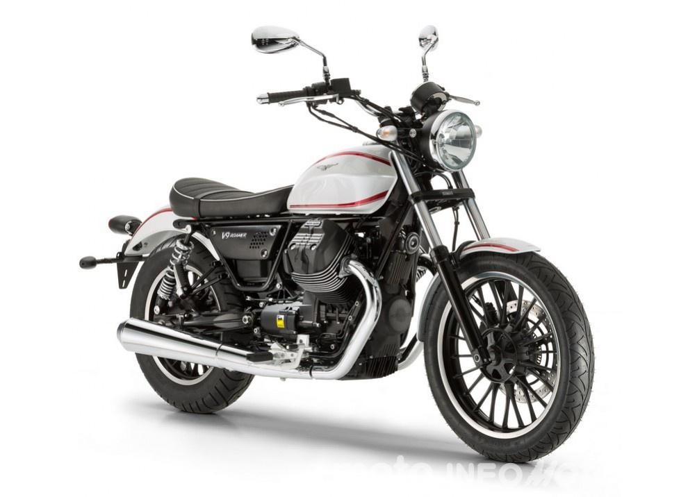 Moto Guzzi V9 Bobber e V9 Roamer 2016 - Foto 28 di 50