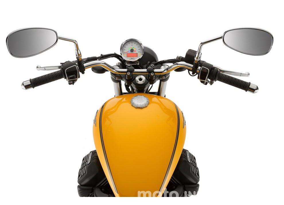 Moto Guzzi V9 Bobber e V9 Roamer 2016 - Foto 34 di 50