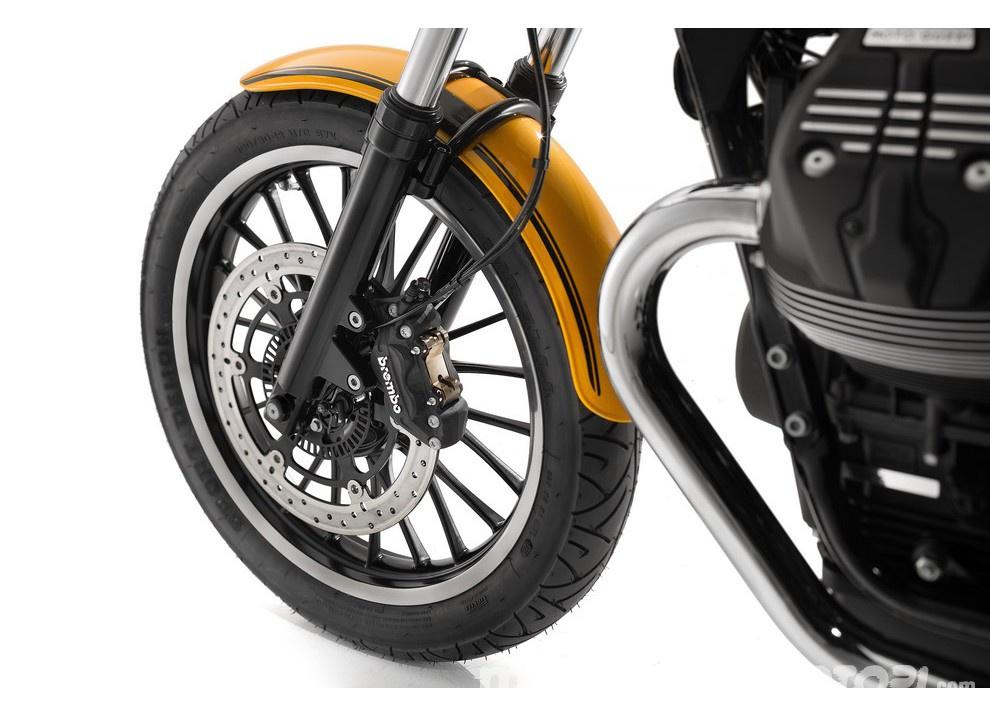Moto Guzzi V9 Bobber e V9 Roamer 2016 - Foto 38 di 50