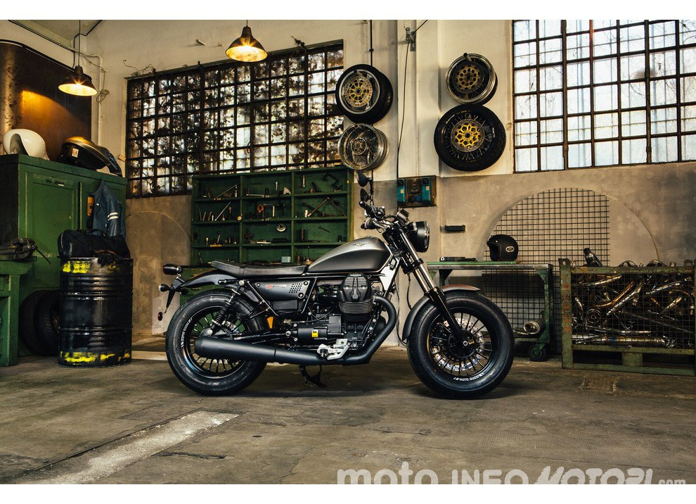 Moto Guzzi V9 Bobber e V9 Roamer 2016 - Foto 42 di 50