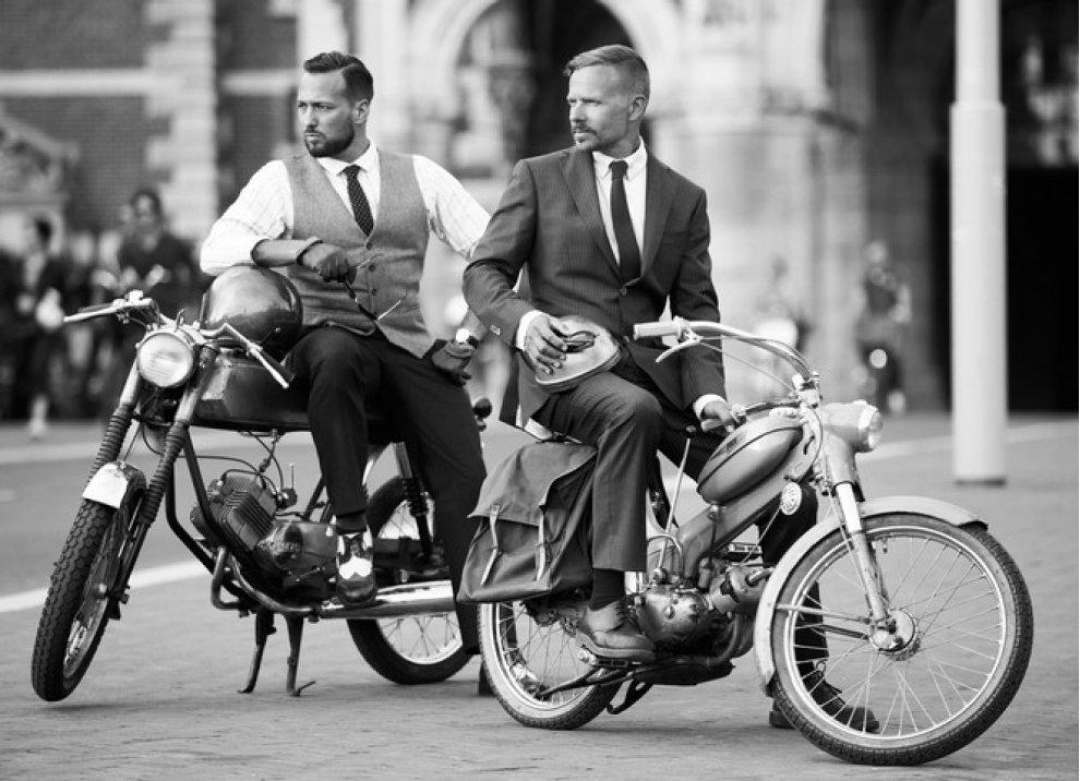Motociclista e gentiluomo - Foto 2 di 5
