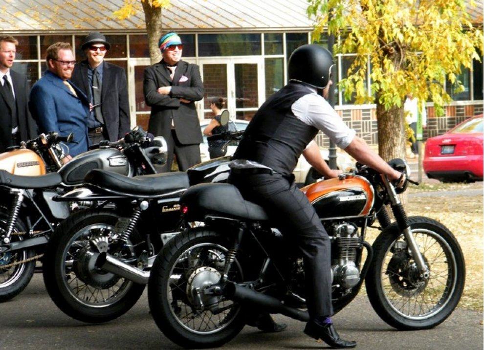 Motociclista e gentiluomo - Foto 3 di 5