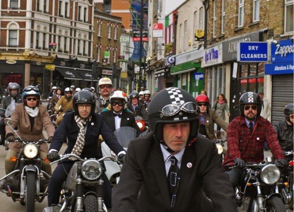 Motociclista e gentiluomo - Foto 4 di 5