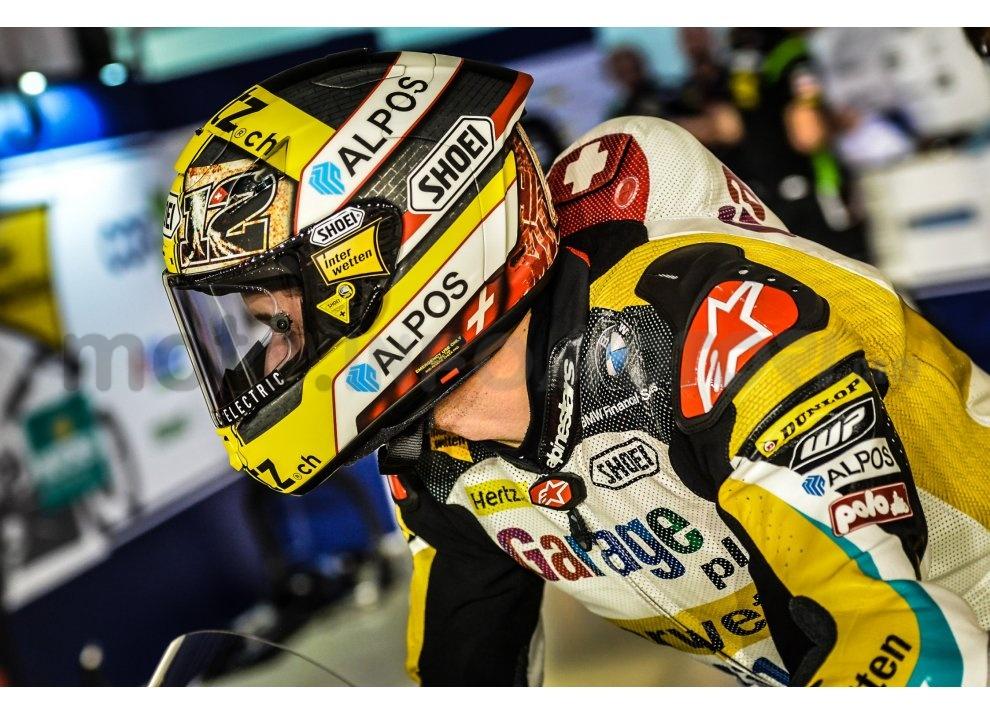 MotoGP 2015: Valentino Rossi conquista la vittoria in Qatar in una gara al limite - Foto 8 di 31