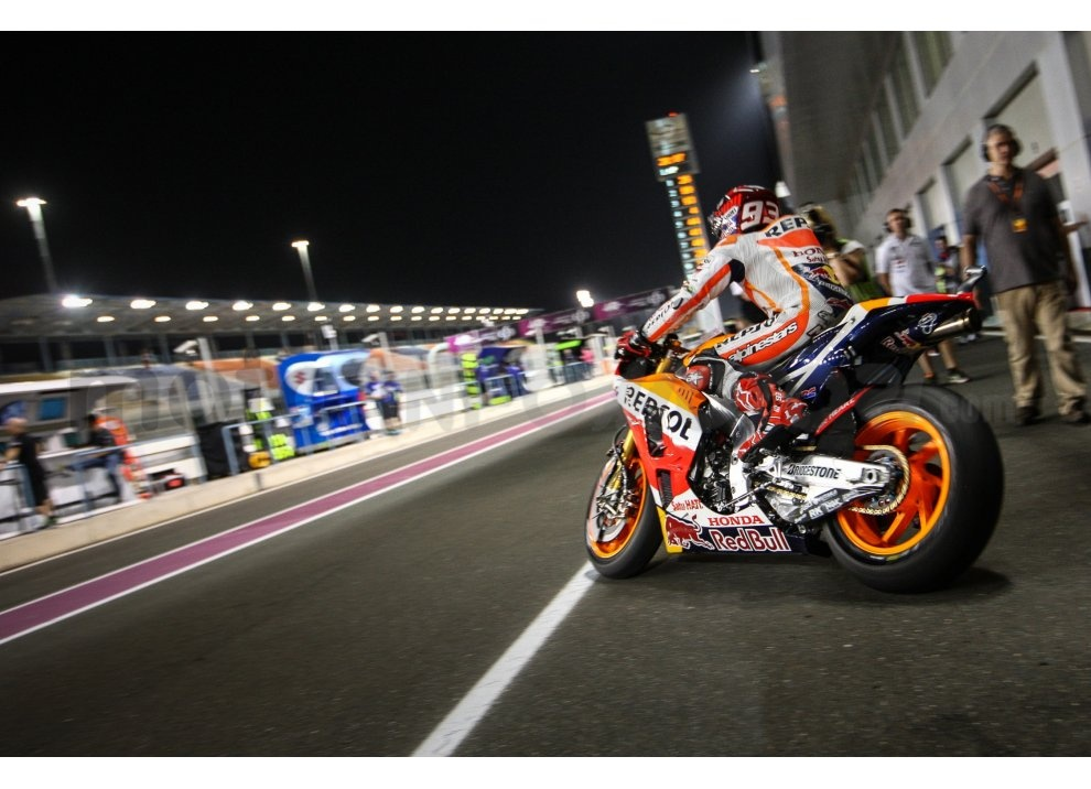 MotoGP 2015: Valentino Rossi conquista la vittoria in Qatar in una gara al limite - Foto 10 di 31