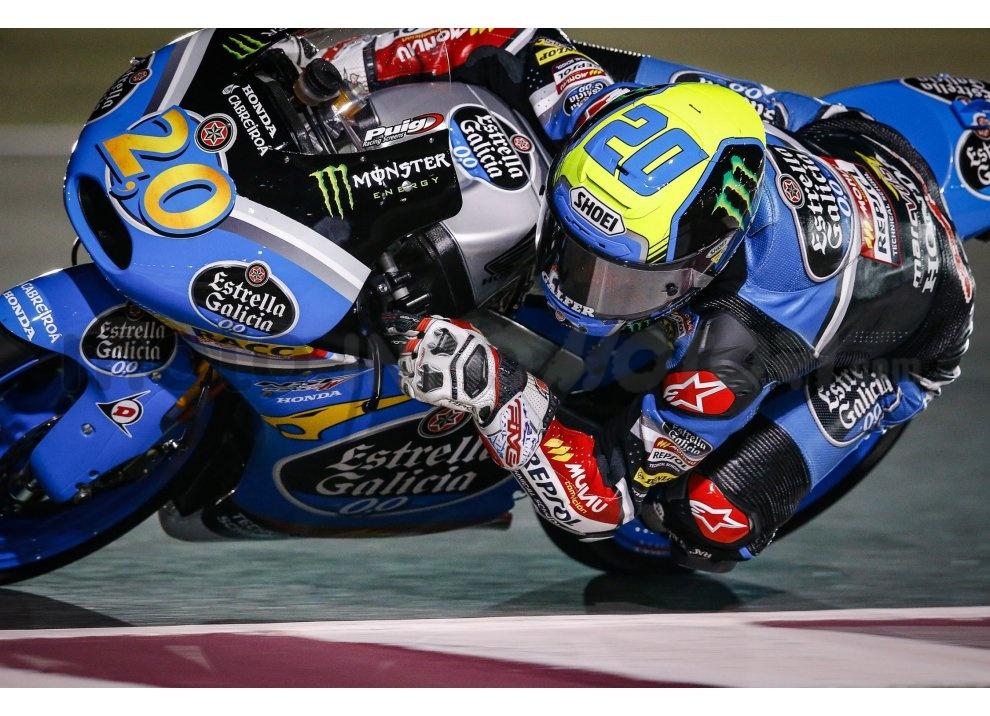 MotoGP 2015: Valentino Rossi conquista la vittoria in Qatar in una gara al limite - Foto 13 di 31