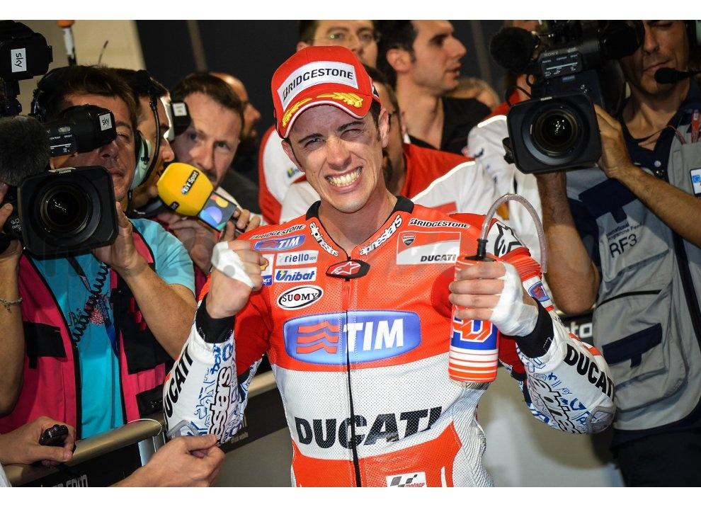 MotoGP 2015: Valentino Rossi conquista la vittoria in Qatar in una gara al limite - Foto 18 di 31