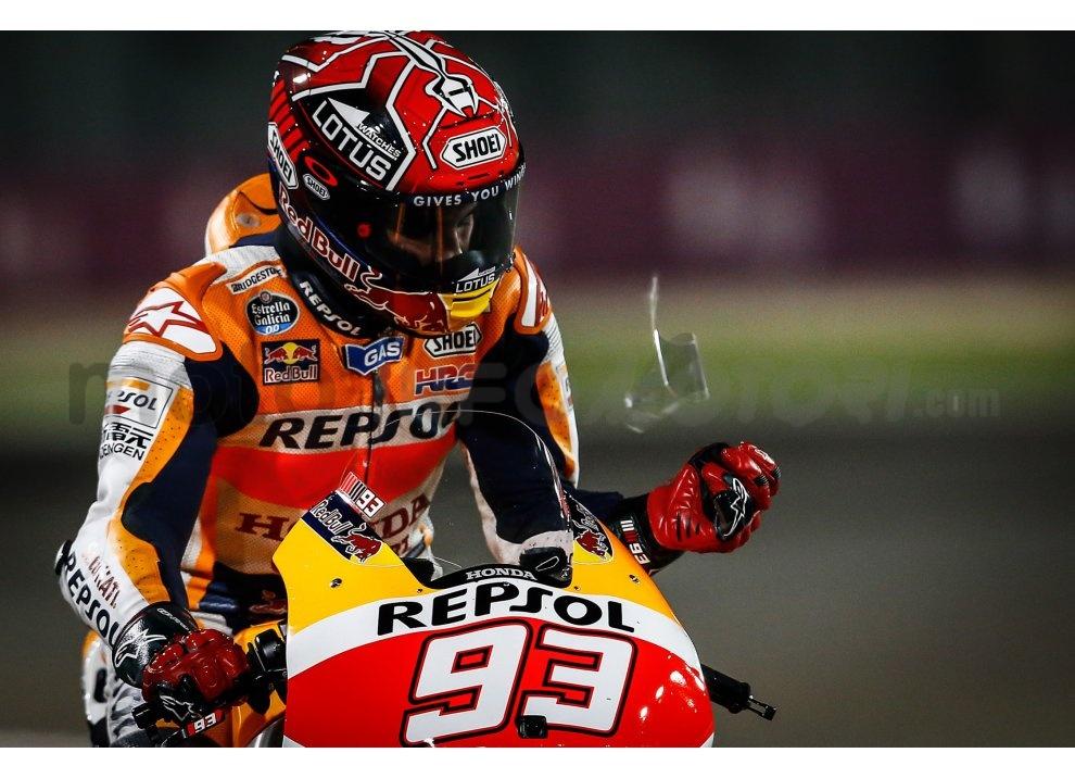 MotoGP 2015: Valentino Rossi conquista la vittoria in Qatar in una gara al limite - Foto 22 di 31