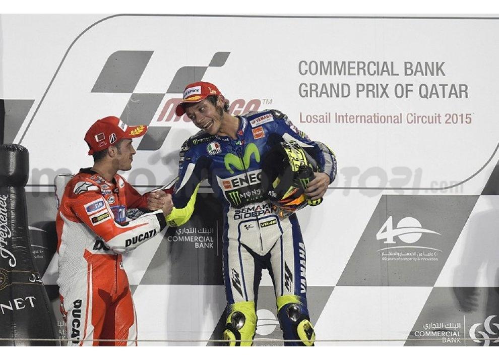 MotoGP 2015: Valentino Rossi conquista la vittoria in Qatar in una gara al limite - Foto 30 di 31