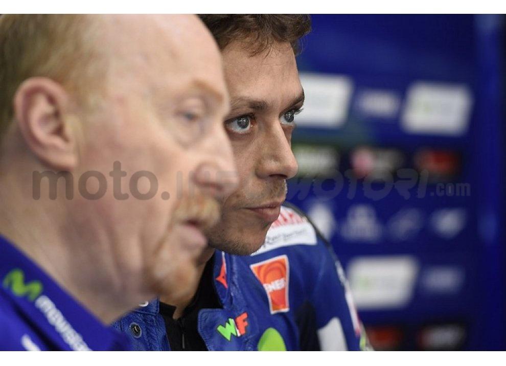 MotoGP 2015: Valentino Rossi conquista la vittoria in Qatar in una gara al limite - Foto 31 di 31