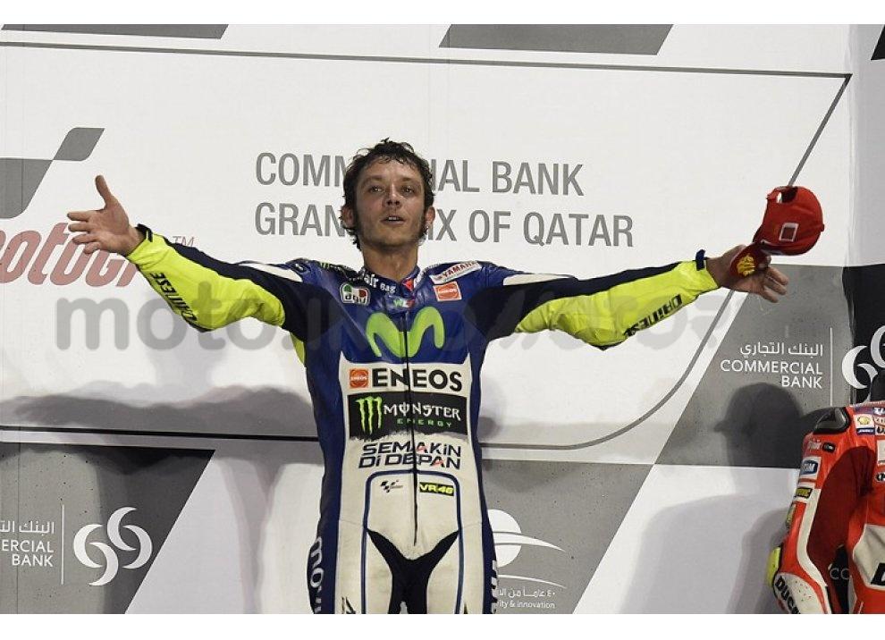 MotoGP 2015: Valentino Rossi conquista la vittoria in Qatar in una gara al limite - Foto 11 di 31