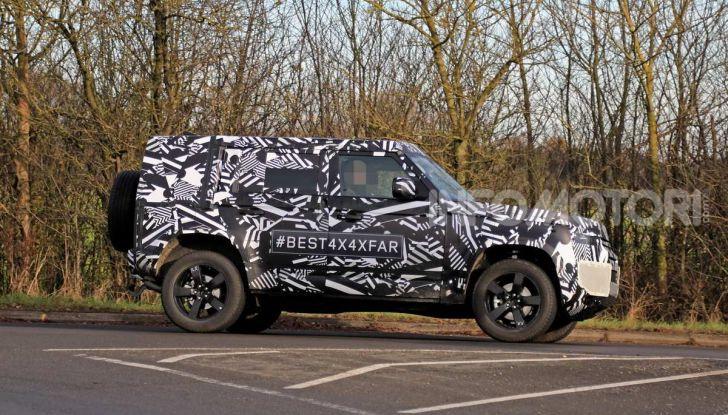 Nuova Land Rover Defender 2020, prime immagini dei test dinamici - Foto 15 di 26