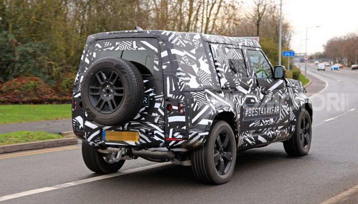 Nuova Land Rover Defender 2020, prime immagini dei test dinamici - Foto 16 di 26