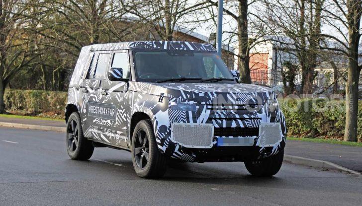 Nuova Land Rover Defender 2020, prime immagini dei test dinamici - Foto 4 di 26