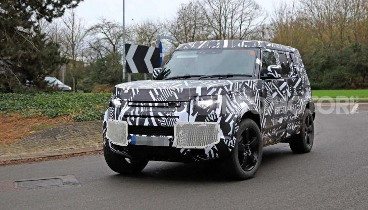 Nuova Land Rover Defender 2020, prime immagini dei test dinamici - Foto 6 di 26