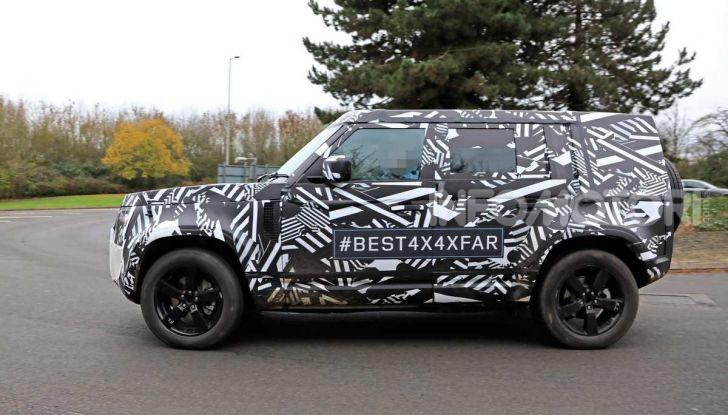 Nuova Land Rover Defender 2020, prime immagini dei test dinamici - Foto 18 di 26