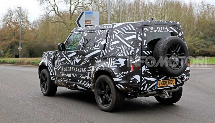 Nuova Land Rover Defender 2020, prime immagini dei test dinamici - Foto 20 di 26