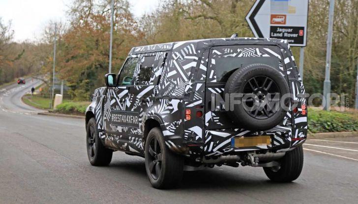 Nuova Land Rover Defender 2020, prime immagini dei test dinamici - Foto 24 di 26