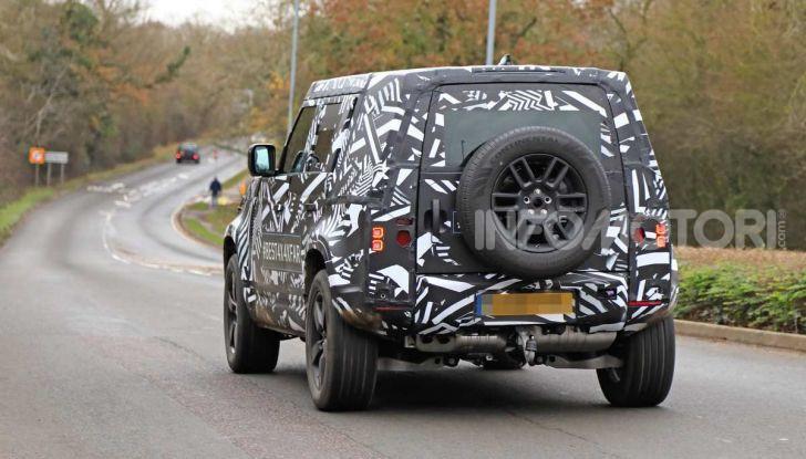 Nuova Land Rover Defender 2020, prime immagini dei test dinamici - Foto 25 di 26