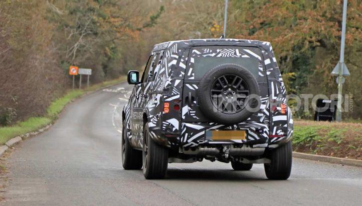 Nuova Land Rover Defender 2020, prime immagini dei test dinamici - Foto 26 di 26