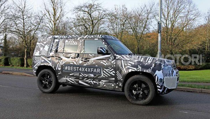 Nuova Land Rover Defender 2020, prime immagini dei test dinamici - Foto 5 di 26