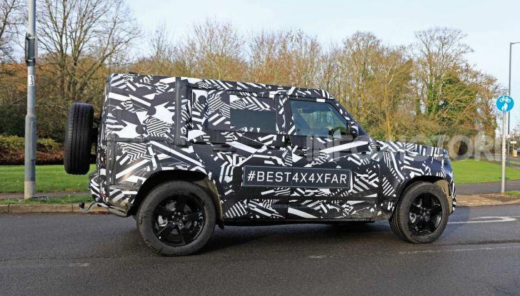 Nuova Land Rover Defender 2020, prime immagini dei test dinamici - Foto 8 di 26