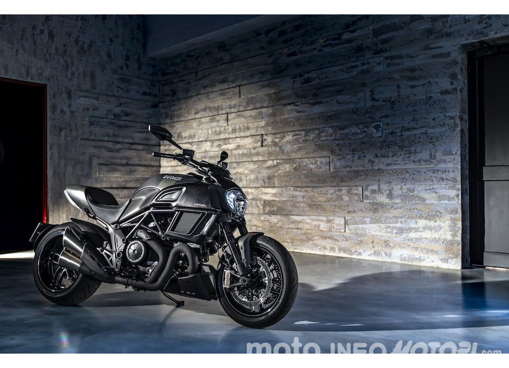 Nuova Ducati Diavel Carbon 2016