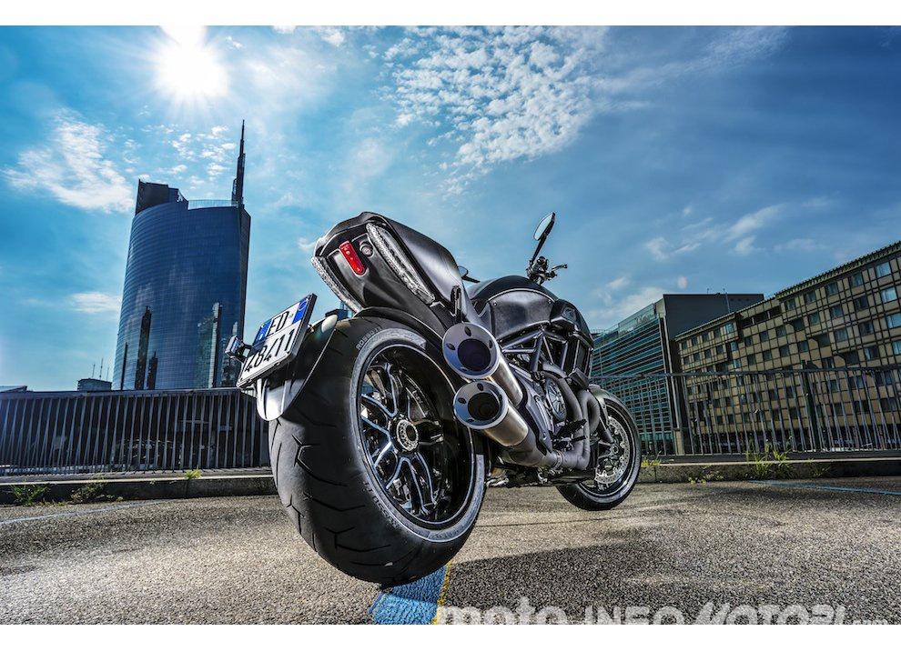 Nuova Ducati Diavel Carbon 2016 - Foto 2 di 14