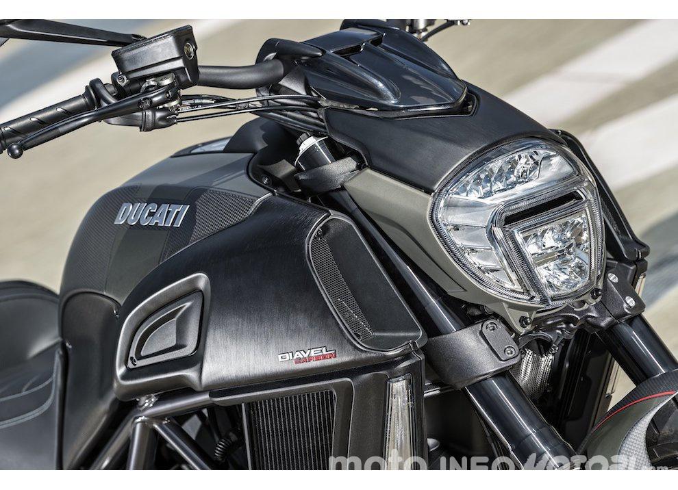 Nuova Ducati Diavel Carbon 2016 - Foto 4 di 14