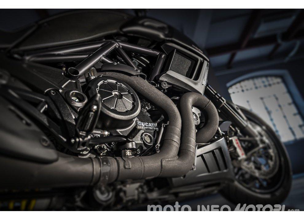 Nuova Ducati Diavel Carbon 2016 - Foto 3 di 14