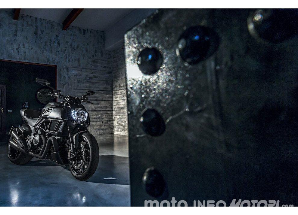 Nuova Ducati Diavel Carbon 2016 - Foto 11 di 14