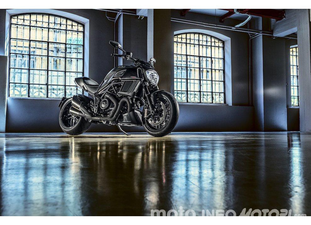 Nuova Ducati Diavel Carbon 2016 - Foto 13 di 14