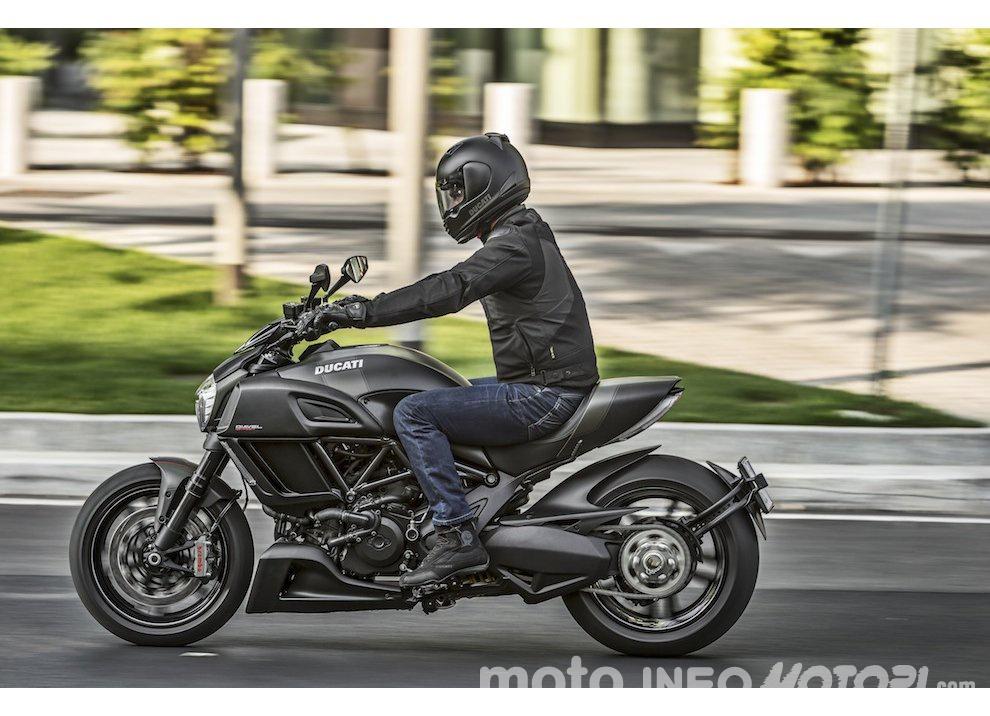 Nuova Ducati Diavel Carbon 2016 - Foto 14 di 14